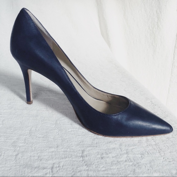 "60a72def745 Ann Taylor Shoes - ANN TAYLOR Navy Leather Pumps 3.5"" Heels size 8"